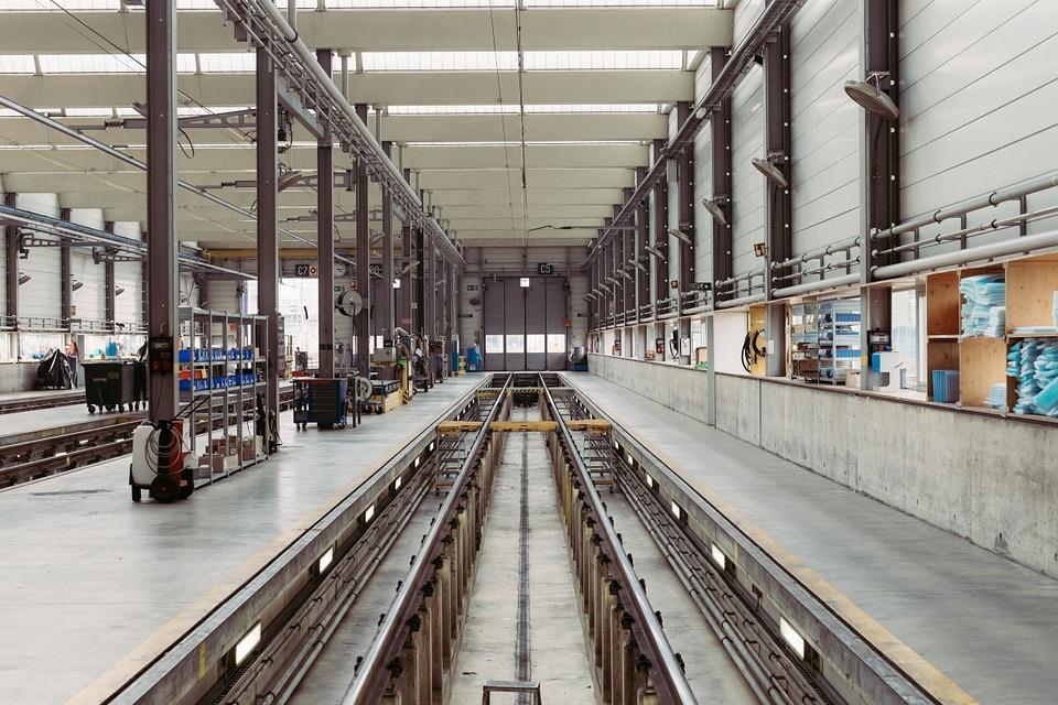 Industria: Istat, ordini +10,2% ad agosto, fatturato +4,1% (top da 2011) -2