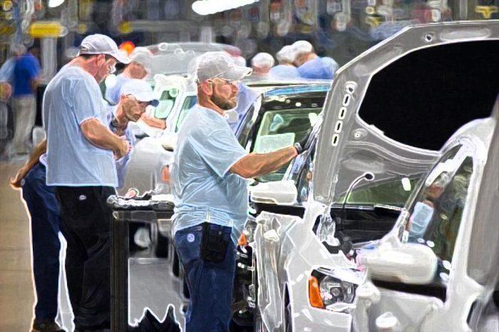 Produzione industriale: a maggio +42% su mese ma -20,3% su anno