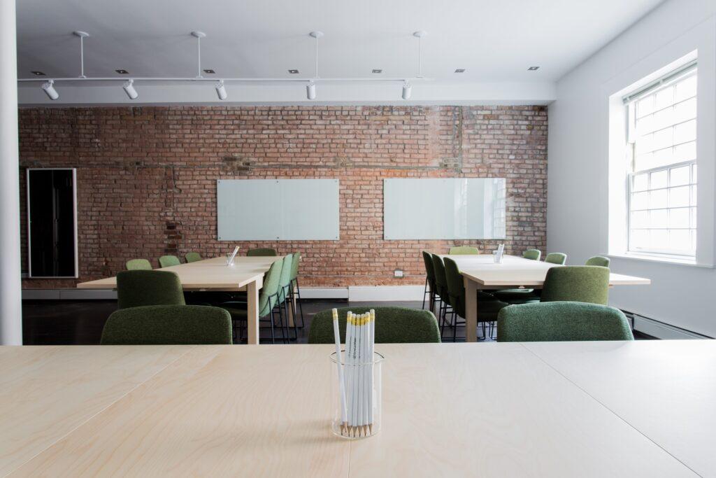 Un ufficio vuoto, molte imprese sono a rischio chiusura nel 2020